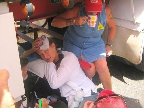 Glenugie Local Deb locks on at blockade
